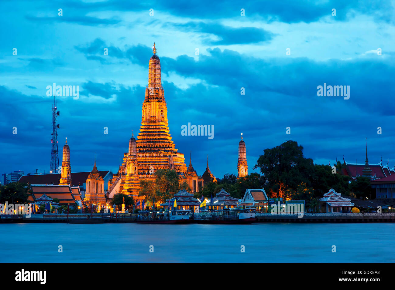Wat Arun is the fascinating culture. A major tourist attraction in Bangkok, Thailand. - Stock Image