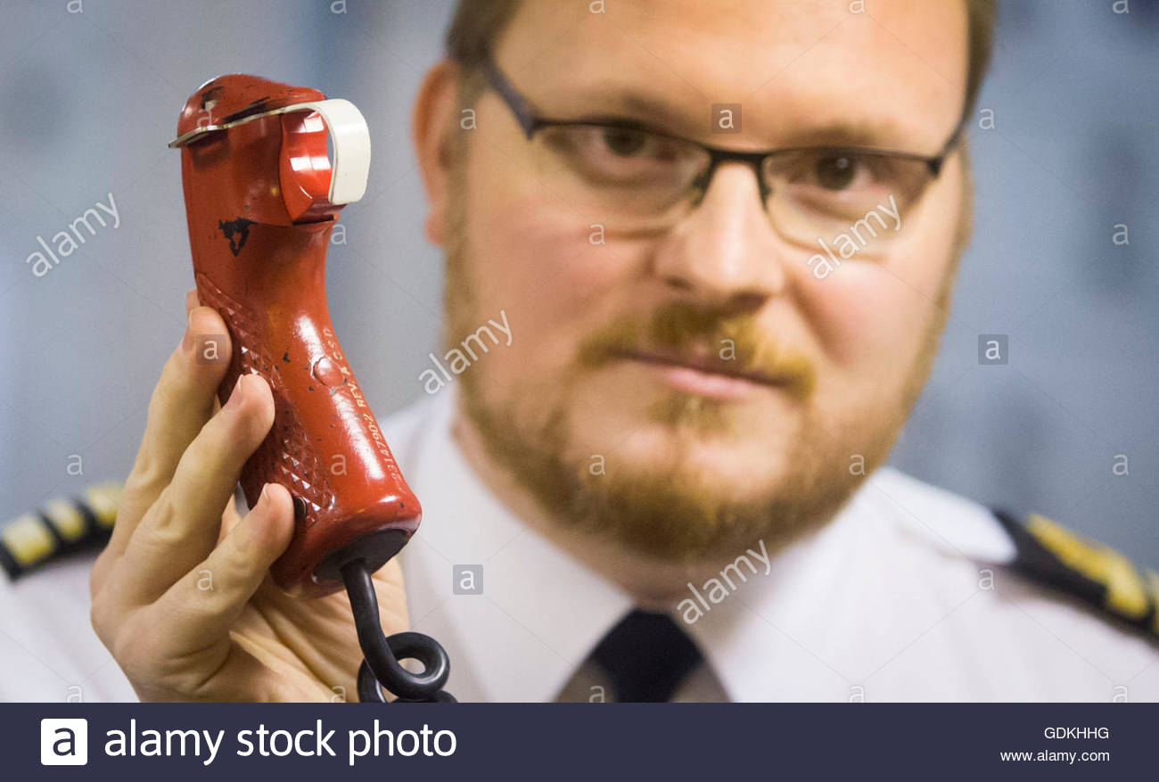 File photo dated 20/01/16 of Weapons Engineer Woods holding the Weapons Engineer Officers Tactical Trigger, that - Stock Image