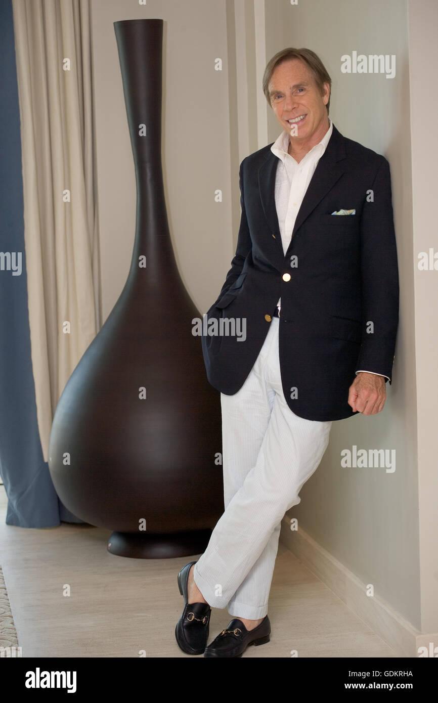 97d5d8958 Fashion designer Tommy Hilfiger Stock Photo: 111688342 - Alamy