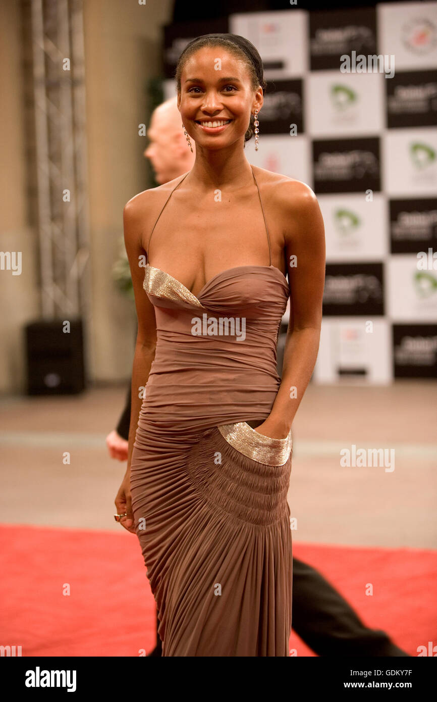 Discussion on this topic: Hilary Rhoda USA 2 2012-2013, joy-bryant/