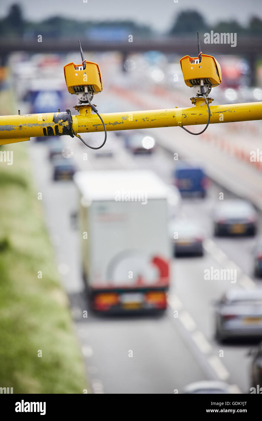 Chesire M6 Motorway    VECTOR from the family of SPECS average speed camera systems utilise state of the art video - Stock Image
