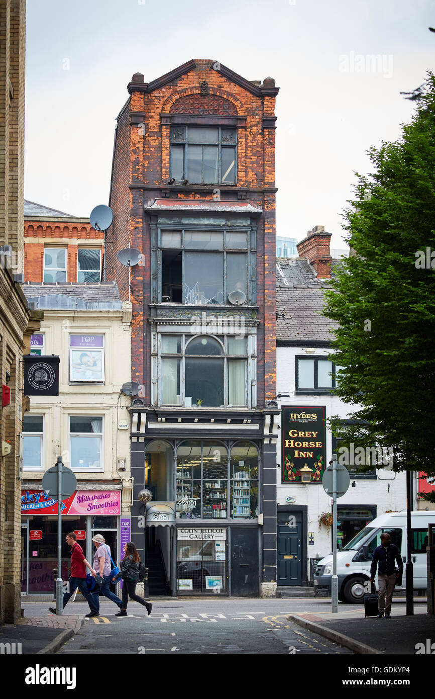 5 story building on Portland street manchester city centre   Architect dwellings livings homes property properties - Stock Image