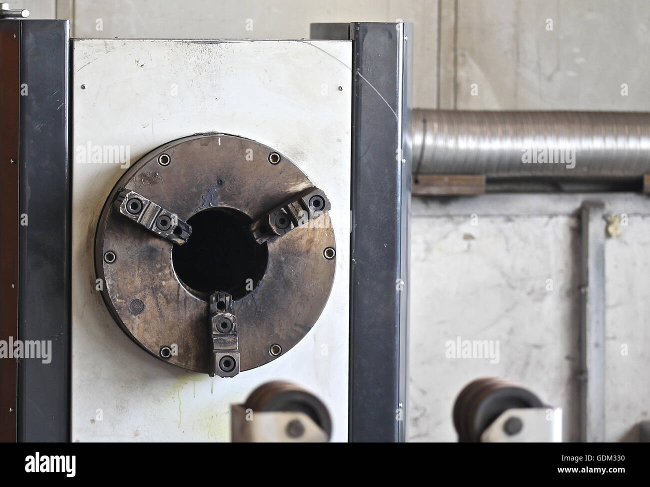 Termination spindle centering device securing the workpiece machine tool - Stock Image
