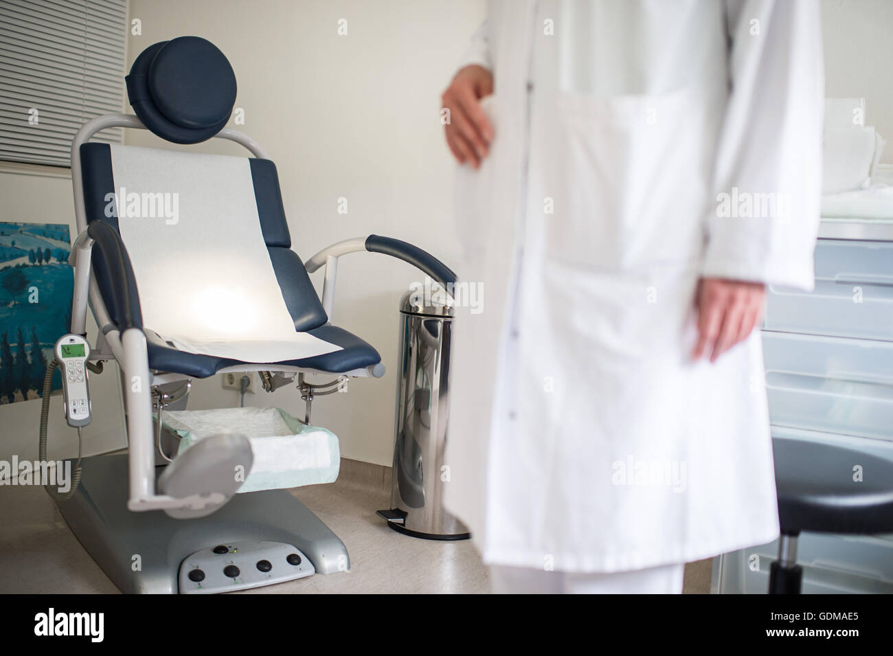 Berlin, Germany. 18th July, 2016. An examination room with a gynecological examination chair can be seen in the - Stock Image