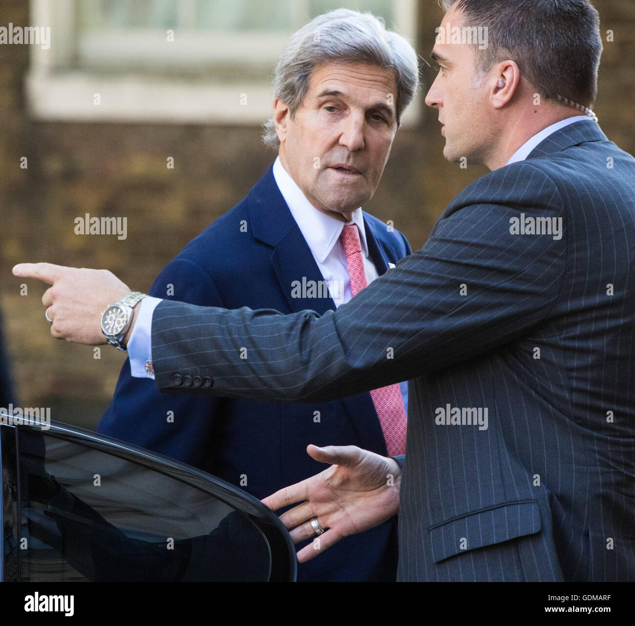 Downing Street, London, July 19th 2016. US Secretary of State John Kerry arrives in Downing Street to pay a courtesy Stock Photo