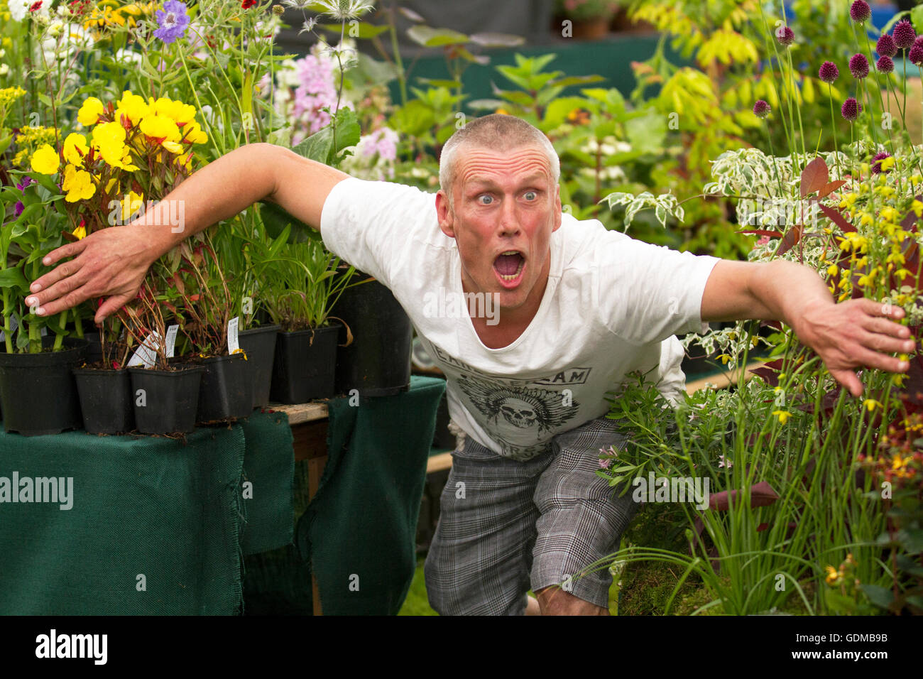 Tatton Park, Knutsford, UK. 19th July, 2016. Mark (Bez) Berry of the 'Happy Mondays' visits the Tatton Park Flower Stock Photo