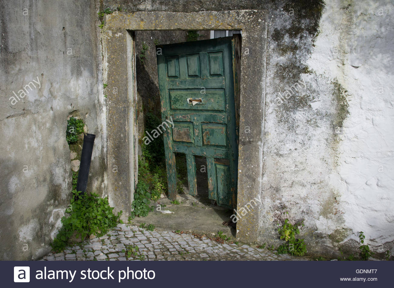 Behind The Green Door Pics behind the green door stock photo: 111730087 - alamy
