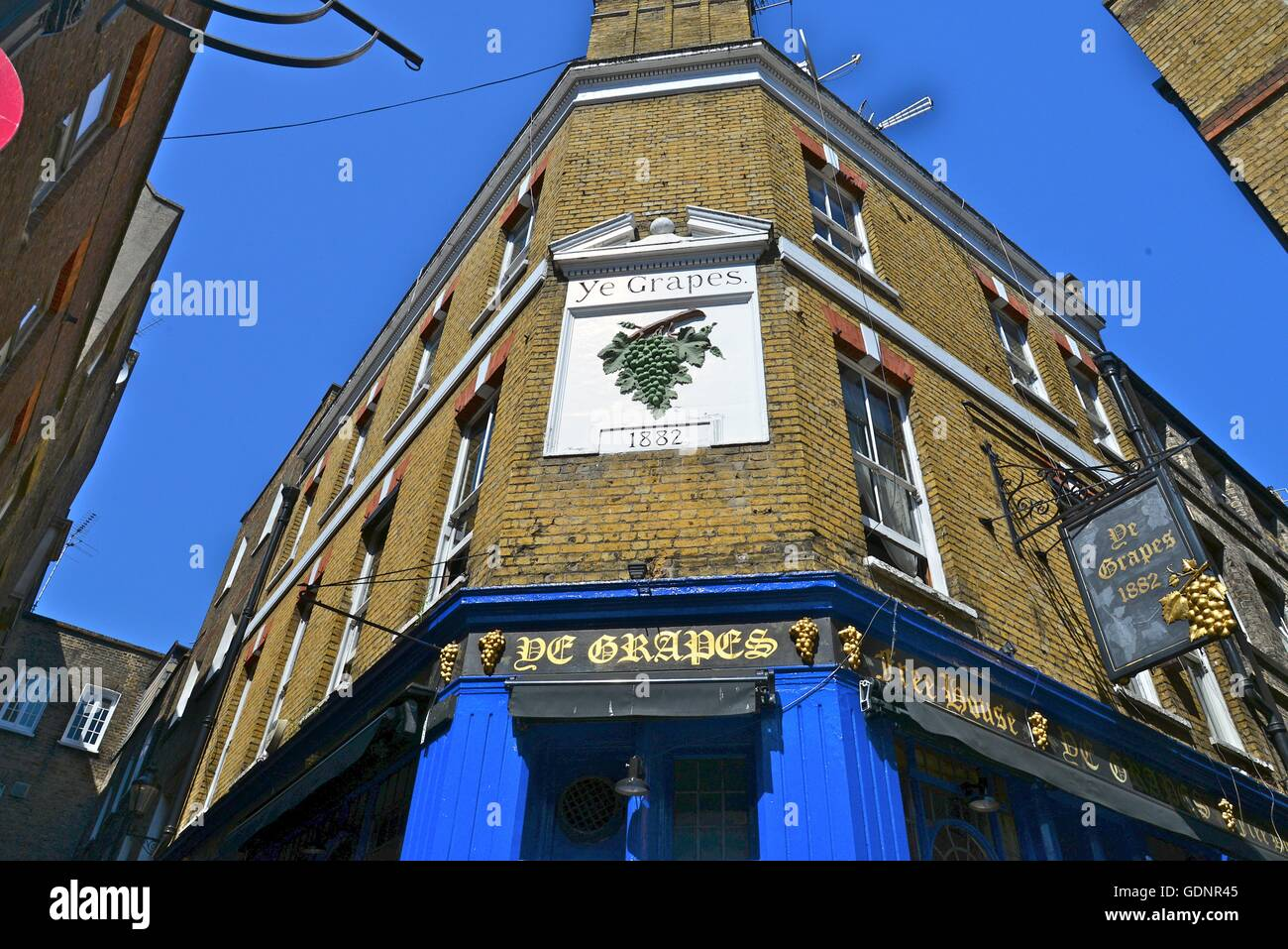 The Grapes pub, Shepherd Market, London, England, UK - Stock Image