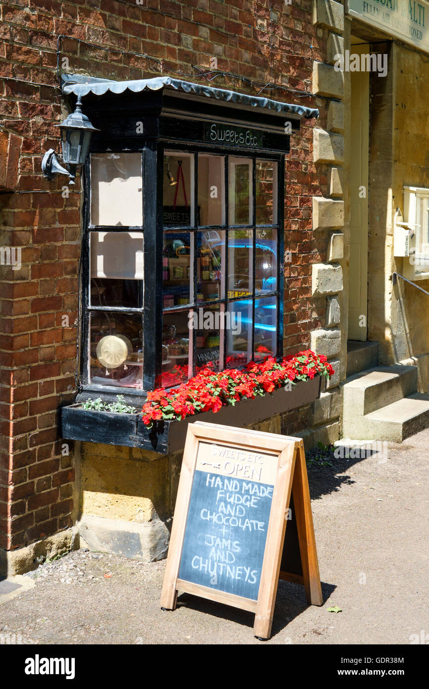 Moreton-in-Marsh a small town in the Northern Cotswolds Gloucestershire England Sweets Etc sweet shop - Stock Image