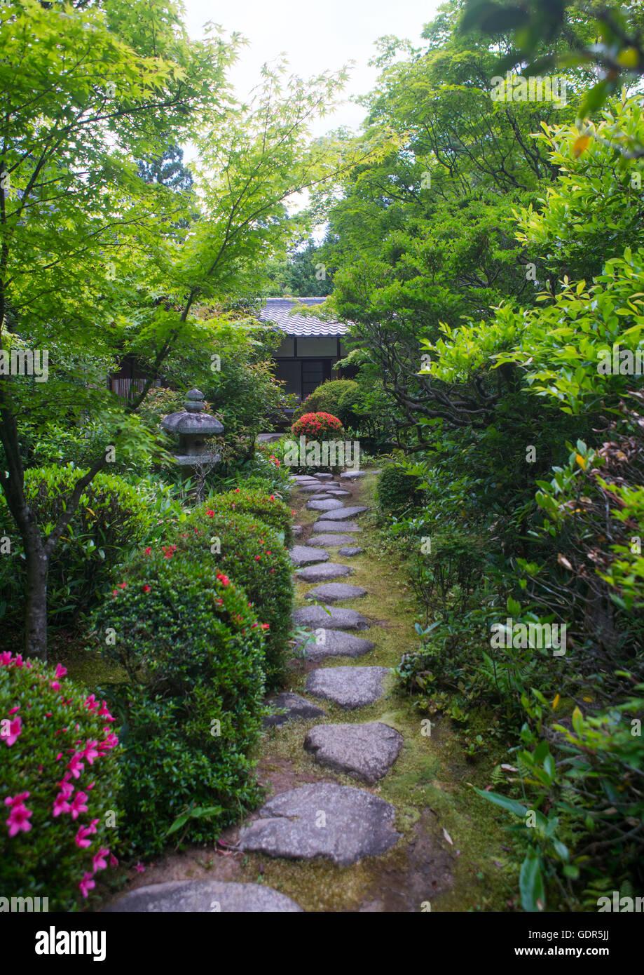 Garden in koto-in zen buddhist temple in daitoku-ji, Kansai region, Kyoto, Japan - Stock Image