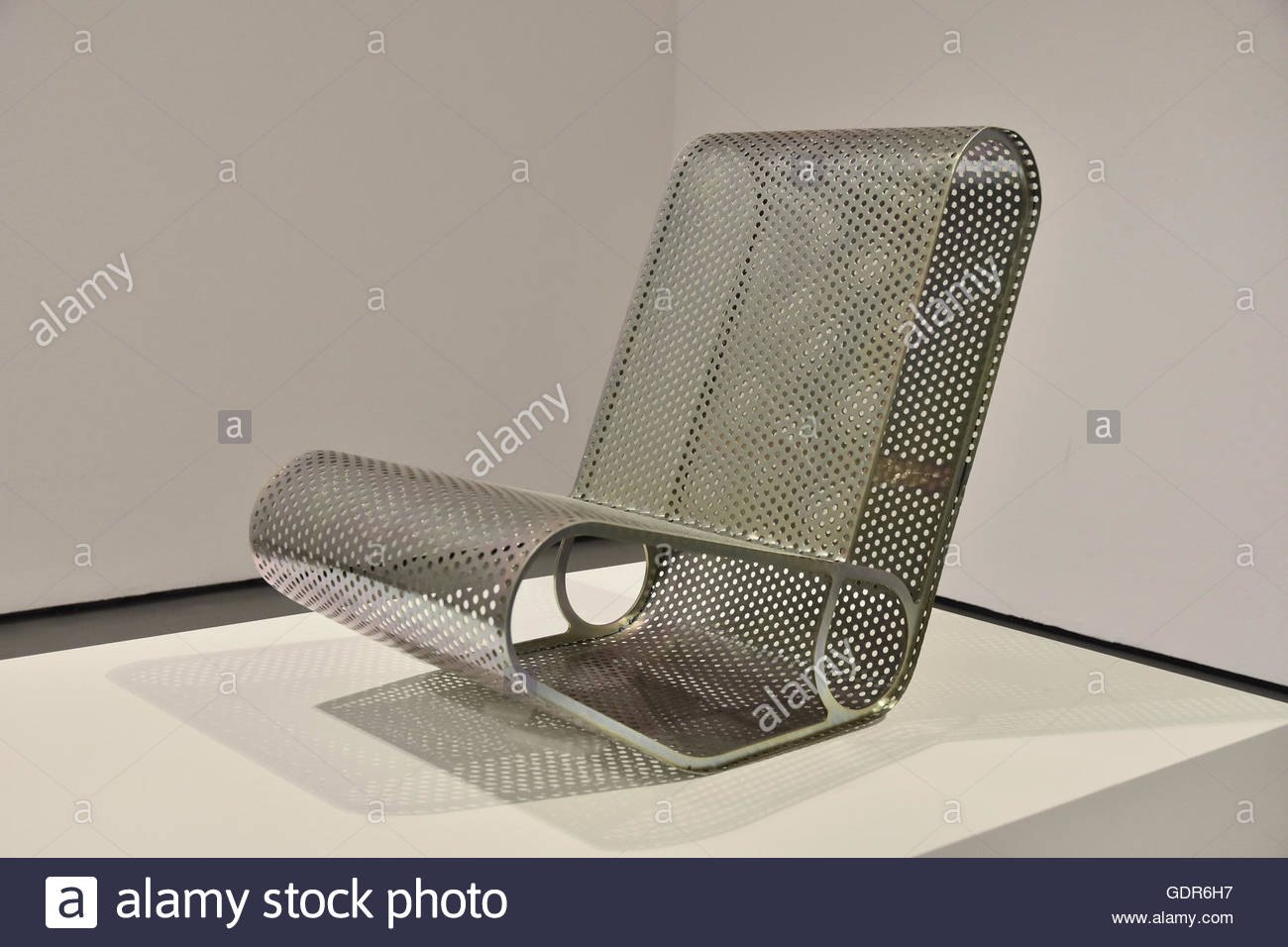 Loop (metal chair)  by P.C. Ee artist - Malaysia/ Singapore design displayed at 21st Milan Triennale exhibition - Stock Image