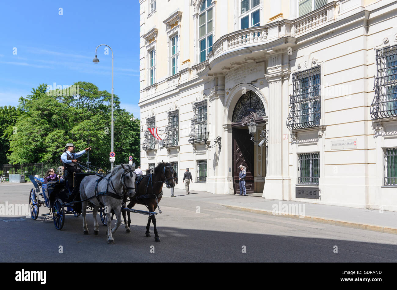 Wien, Vienna: Office of the Federal Chancellor, cab, Austria, Wien, 01. - Stock Image