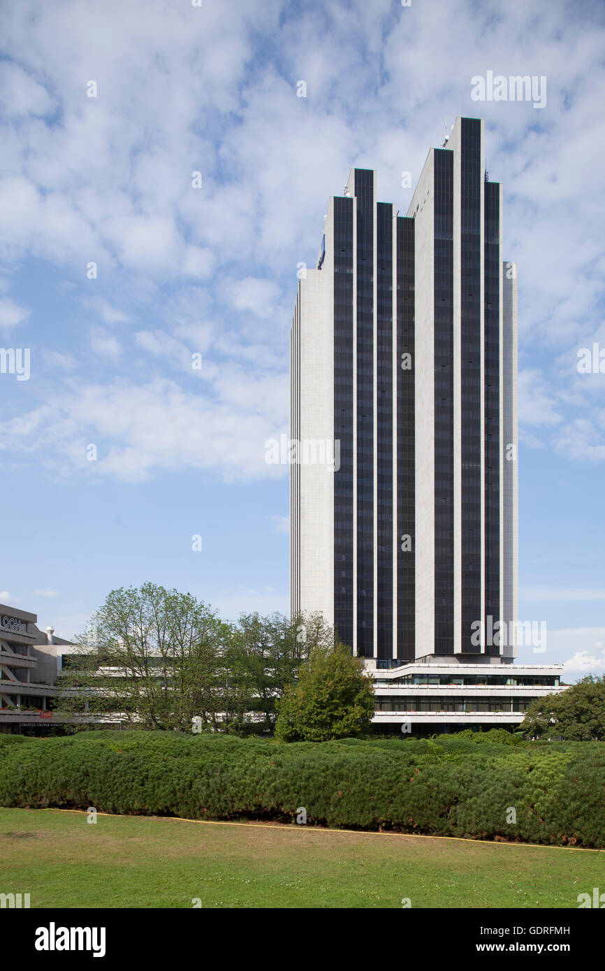 Radisson Blu Hotel at Park Planten un Blomen, Hamburg, Germany - Stock Image