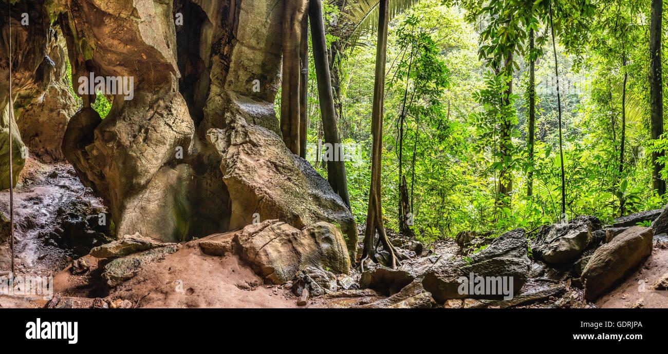 Tiger Cave on Koh Lanta Island near Klongjak Waterfall, Thailand   Tiger Hoehle  auf der Insel Koh Lanta, Thailand - Stock Image