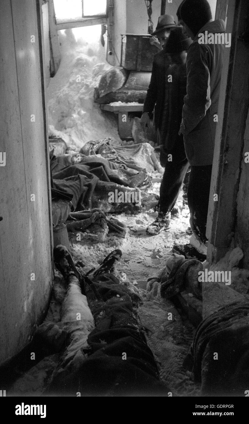 Victims of the avalanche disaster in Vorarlberg, 1954 - Stock Image