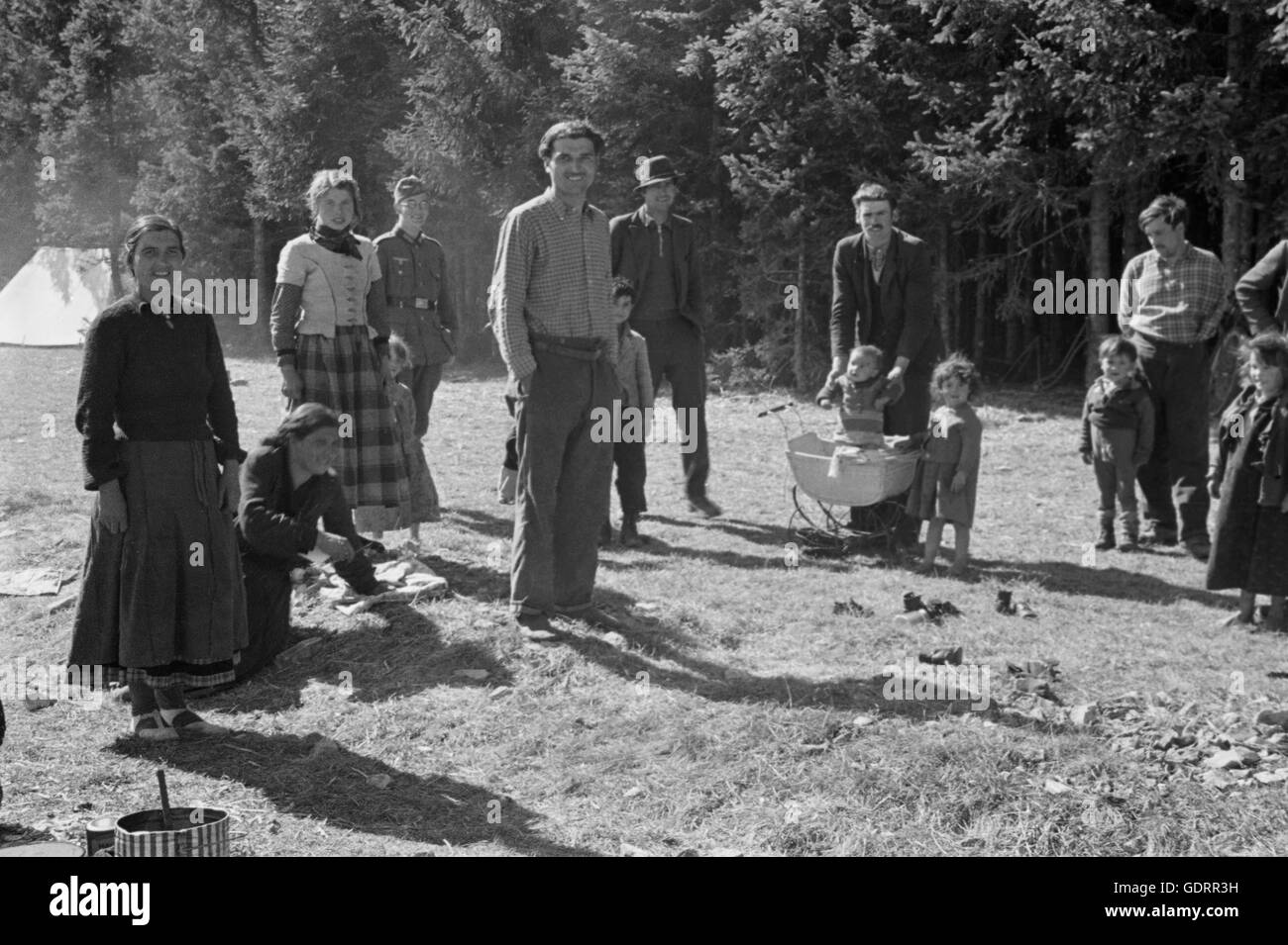 Sinti and Romanies in France, 1941 - Stock Image