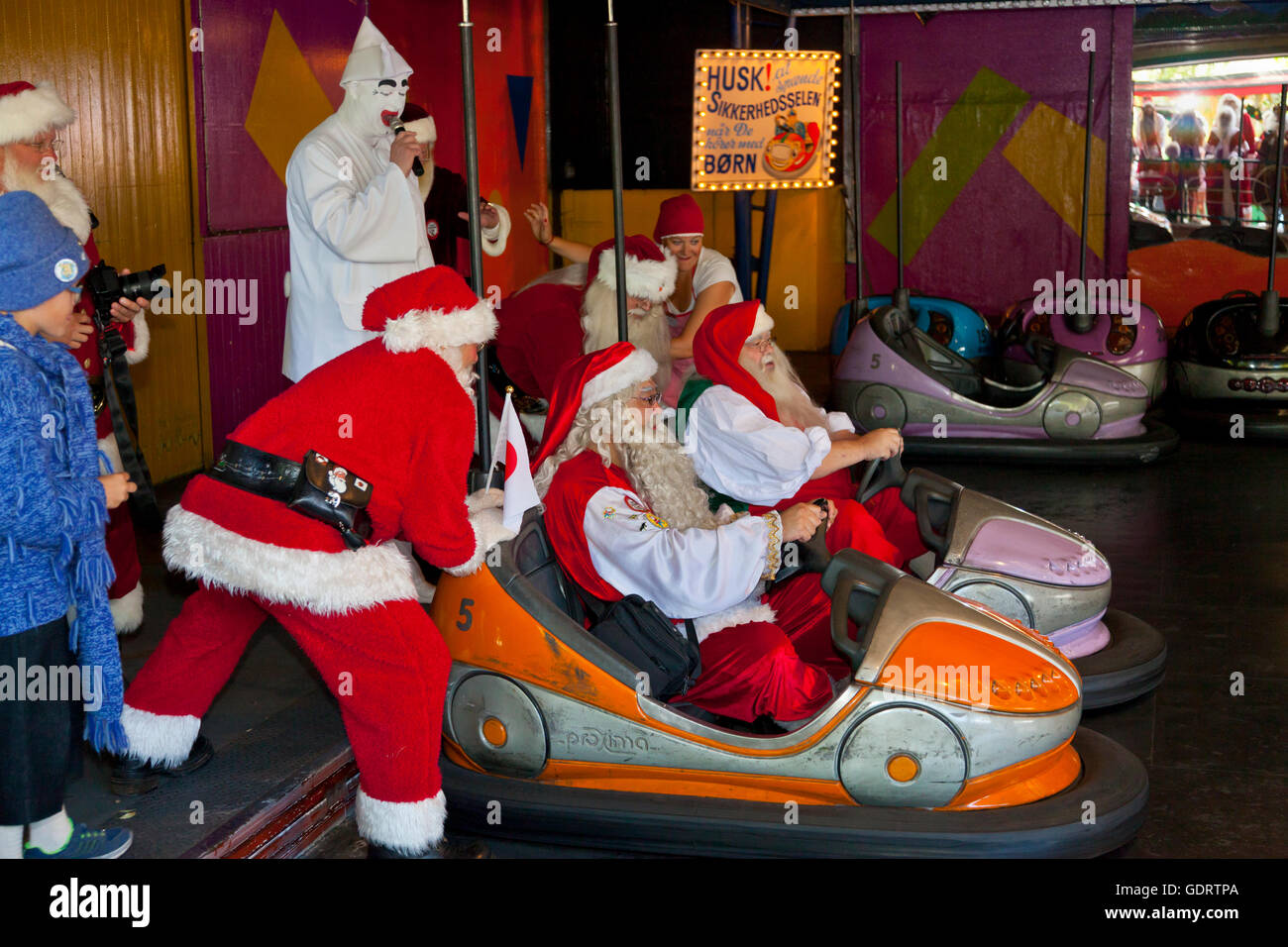 Klampenborg, Denmark. 20th July, 2016.  Races in the bumper cars were one of the competitions  at the World Santa - Stock Image