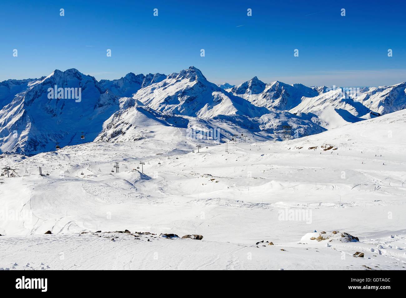 Pistes and ski lifts, ski resort 'Les Deux Alpes, Alps, France - Stock Image