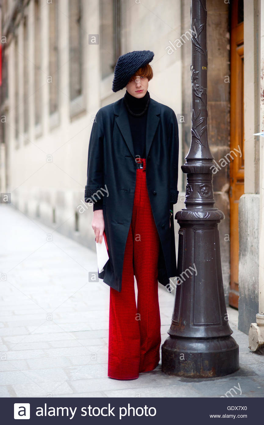Classically Stylish Parisian man in le marais Paris, during Paris Fashion Week. - Stock Image