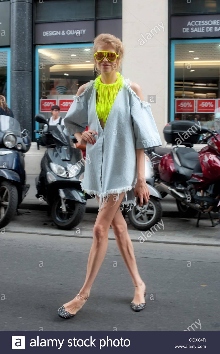 Elena Perminova on Rue Cambon during Paris Haute Couture Fashion Week. - Stock Image
