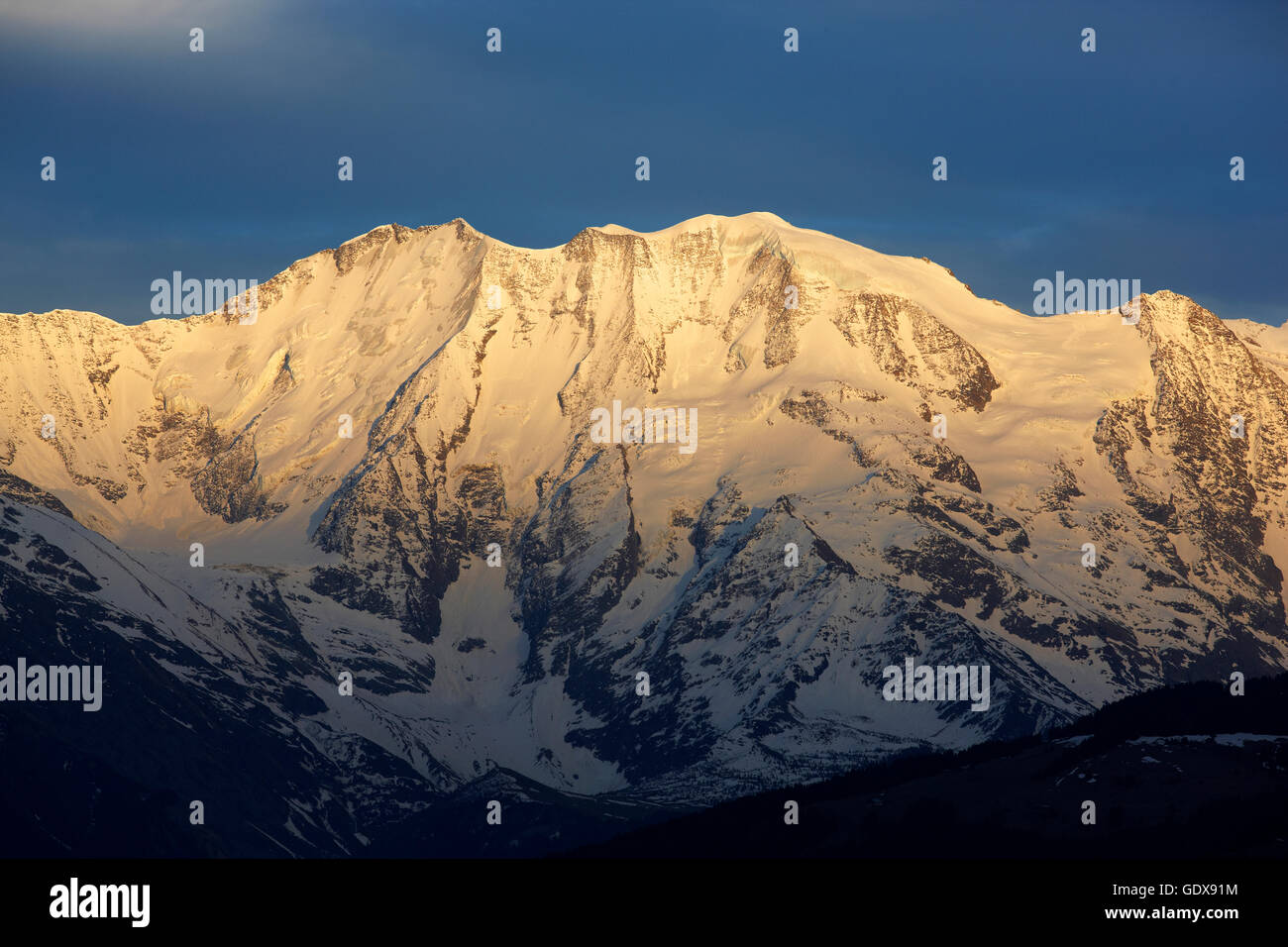 geography / travel, France, Domes de Miage (3673m) at sunrise, Mont-Blanc Range, Chamonix, Additional-Rights-Clearance - Stock Image