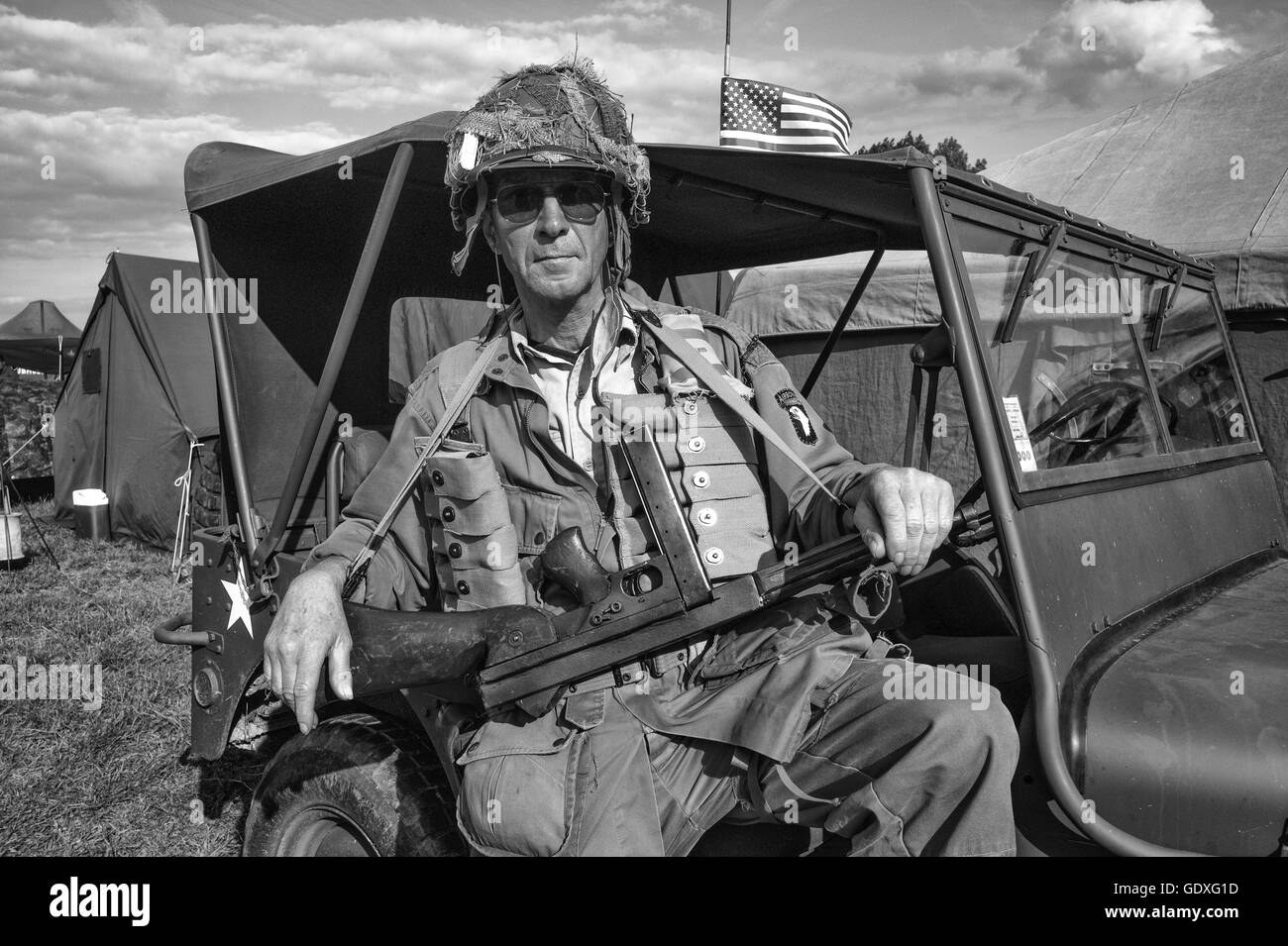 101st Airborne Division Soldier At The D Day Reenactment At Sainte Stock Photo Alamy
