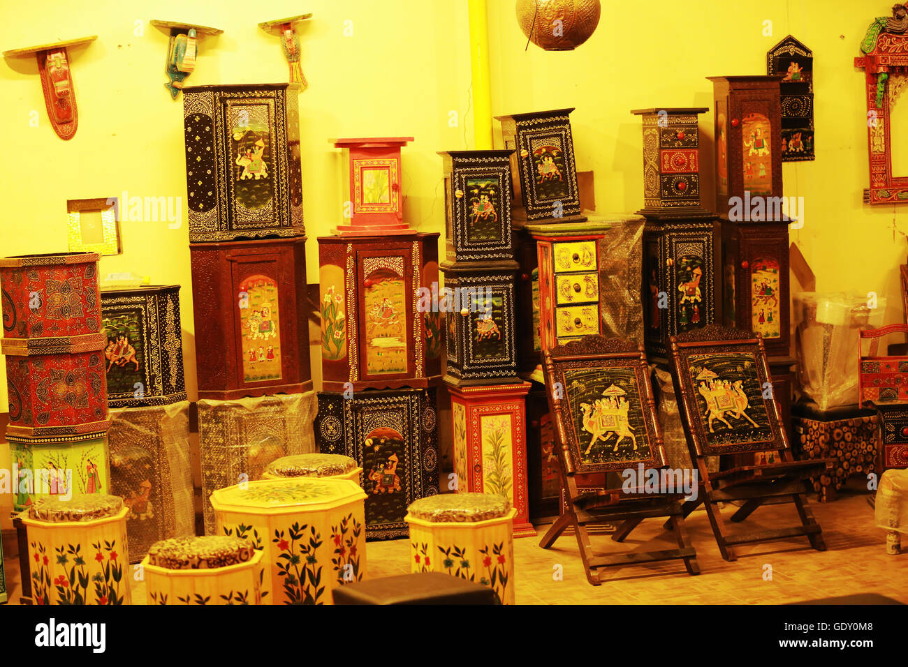 Gift shop of traditional Rajasthani handicraft boxes Stock Photo