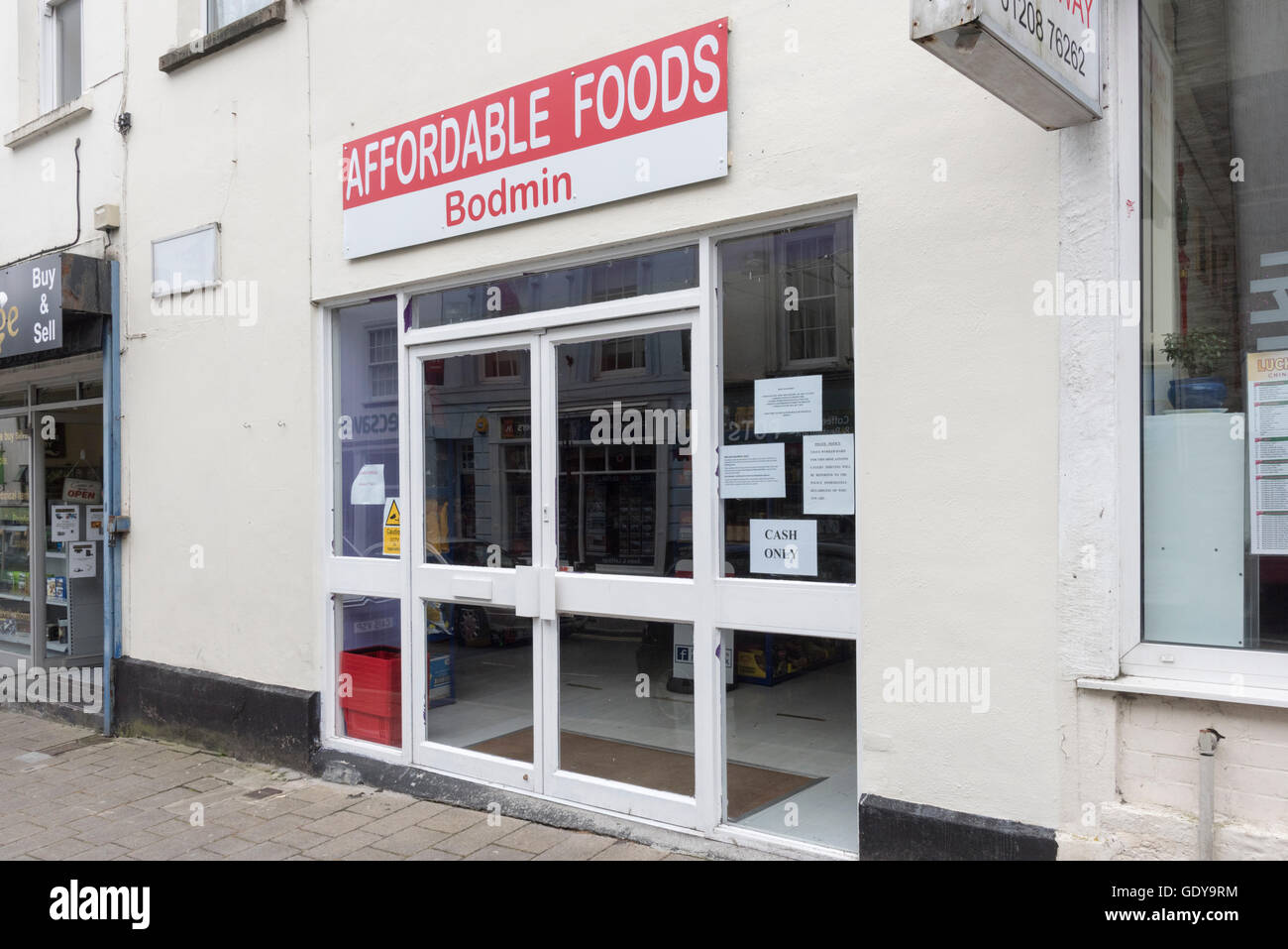 Affordable Foods Shop selling everything at 25 pence in Bodmin Cornwall UK. A discounted food shop - Stock Image