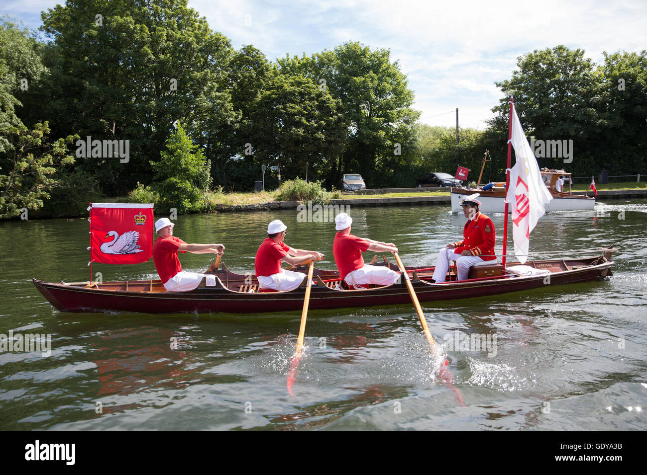 Chertsey, UK. 18th July, 2016. The Queen's Swan Marker David Barber MVO during the first day of the Swan Upping - Stock Image