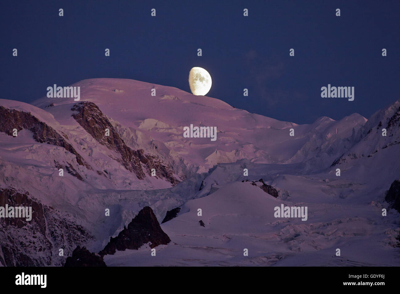 geography / travel, France, Moonset on Mont- Blanc (4810m) at sunrise, Chamonix, Additional-Rights-Clearance-Info - Stock Image