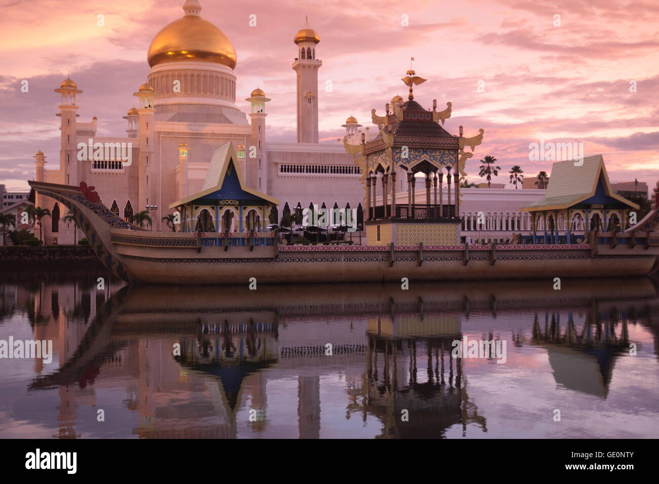 the Omar Ali Saifuddien Mosque in the city of Bandar seri Begawan in the country of Brunei Darussalam on Borneo - Stock Image