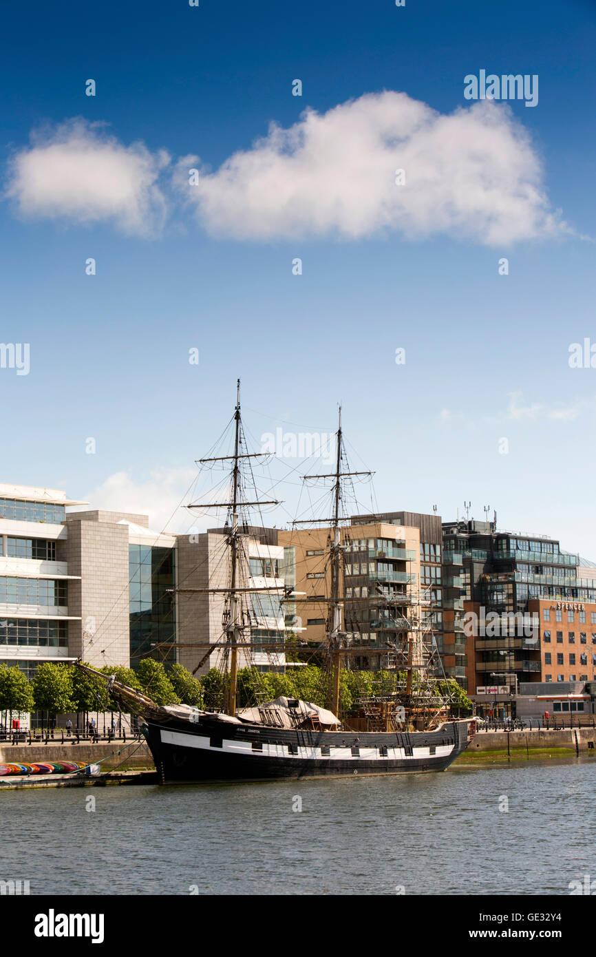 Ireland, Dublin, Jeanie Johnston ship, replica 3 masted barque moored at Custom House Quay on River Liffey - Stock Image