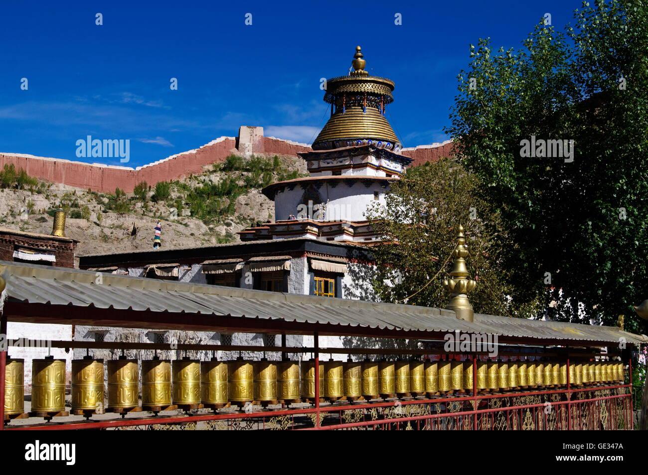 geography / travel, China, Tibet, Gyantse, Kumbum chorten and prayer wheels, Additional-Rights-Clearance-Info-Not - Stock Image