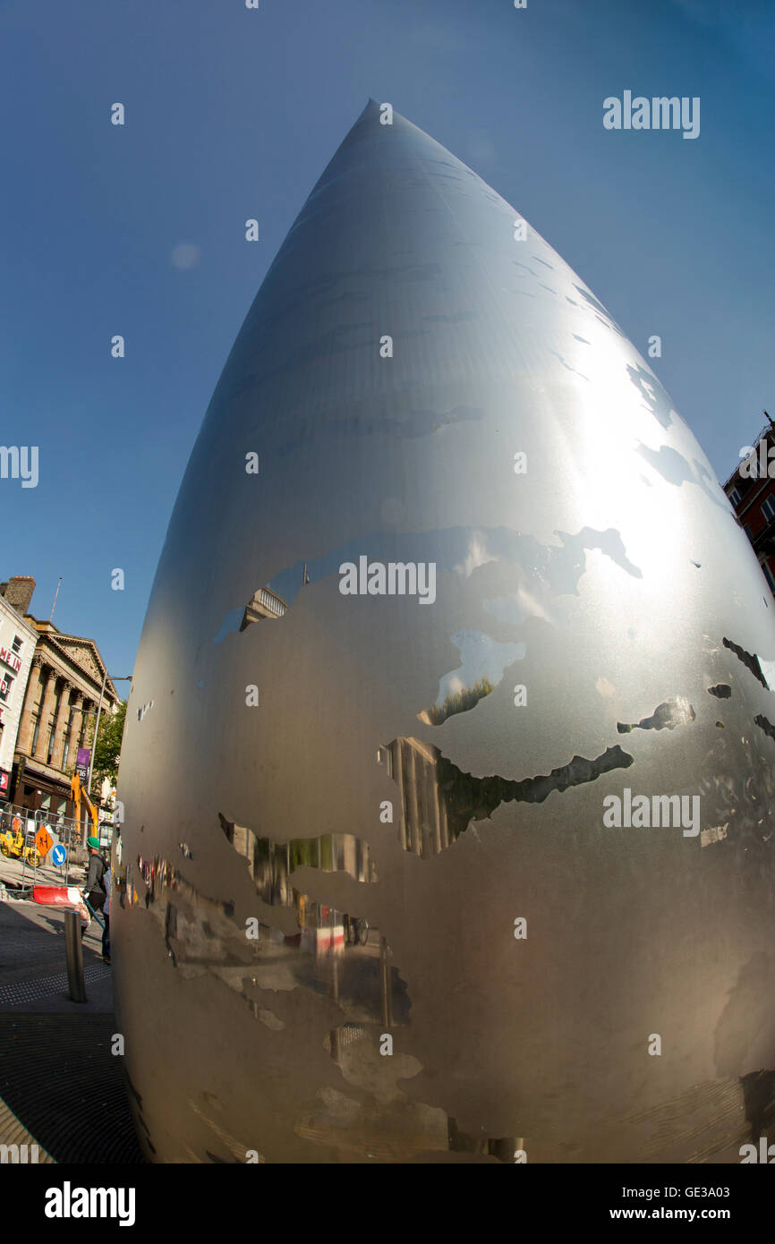 Ireland, Dublin, O'Connell Street, Spire of Dublin, monument of light, stainless steel pinnacle, fish-eye view - Stock Image