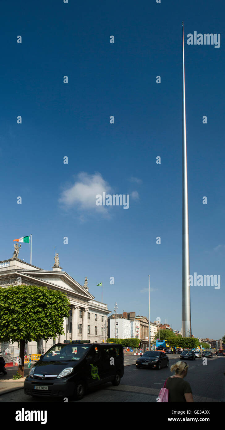 Ireland, Dublin, O'Connell Street, GPO and Spire of Dublin, monument of light, stainless steel pinnacle - Stock Image