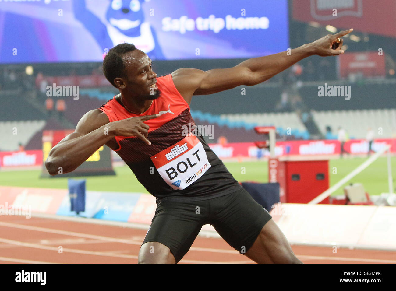 London, UK. 22nd July, 2016. IAAF Diamond League Anniversary Games.Usain Bolt Celebrates taking first place in the - Stock Image
