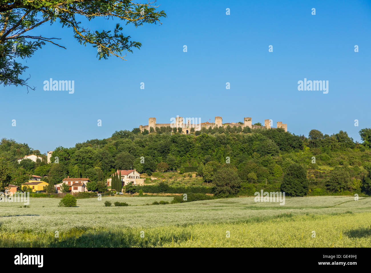 Dating in tuscany