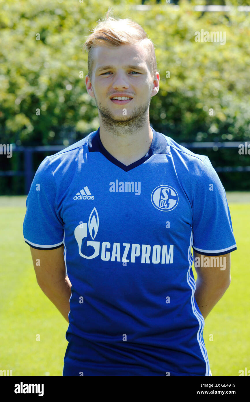 football, Bundesliga, 2016/2017, FC Schalke 04, team presentation for the game season, portrait Johannes Geis - Stock Image