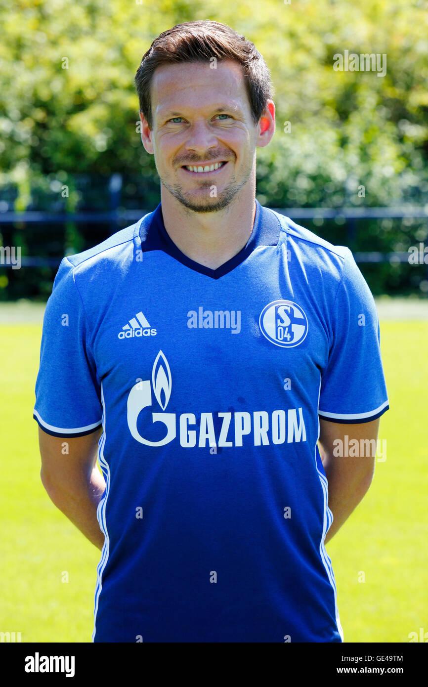 football, Bundesliga, 2016/2017, FC Schalke 04, team presentation for the game season, portrait Sascha Riether - Stock Image