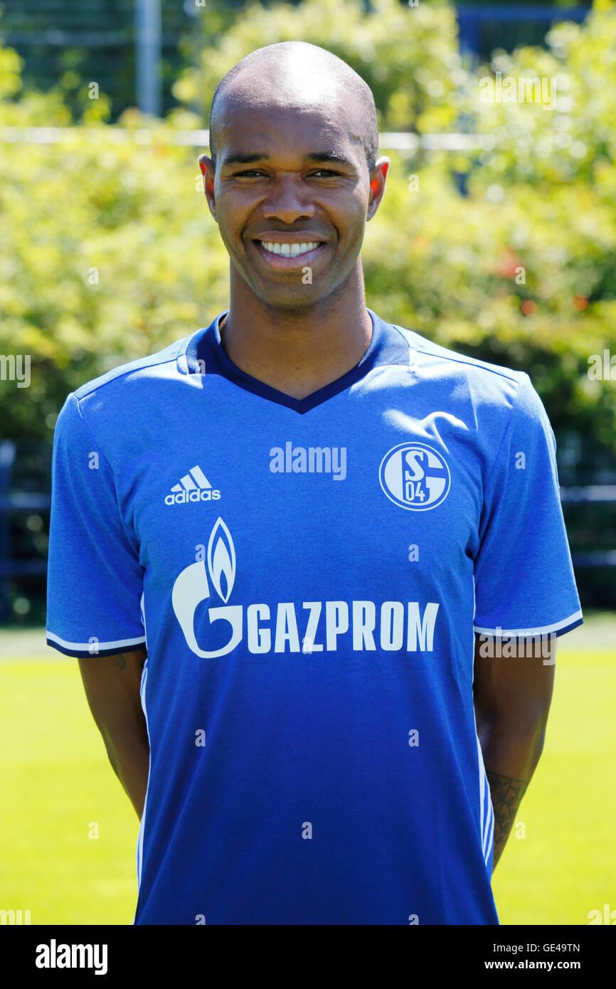 football, Bundesliga, 2016/2017, FC Schalke 04, team presentation for the game season, portrait Naldo - Stock Image
