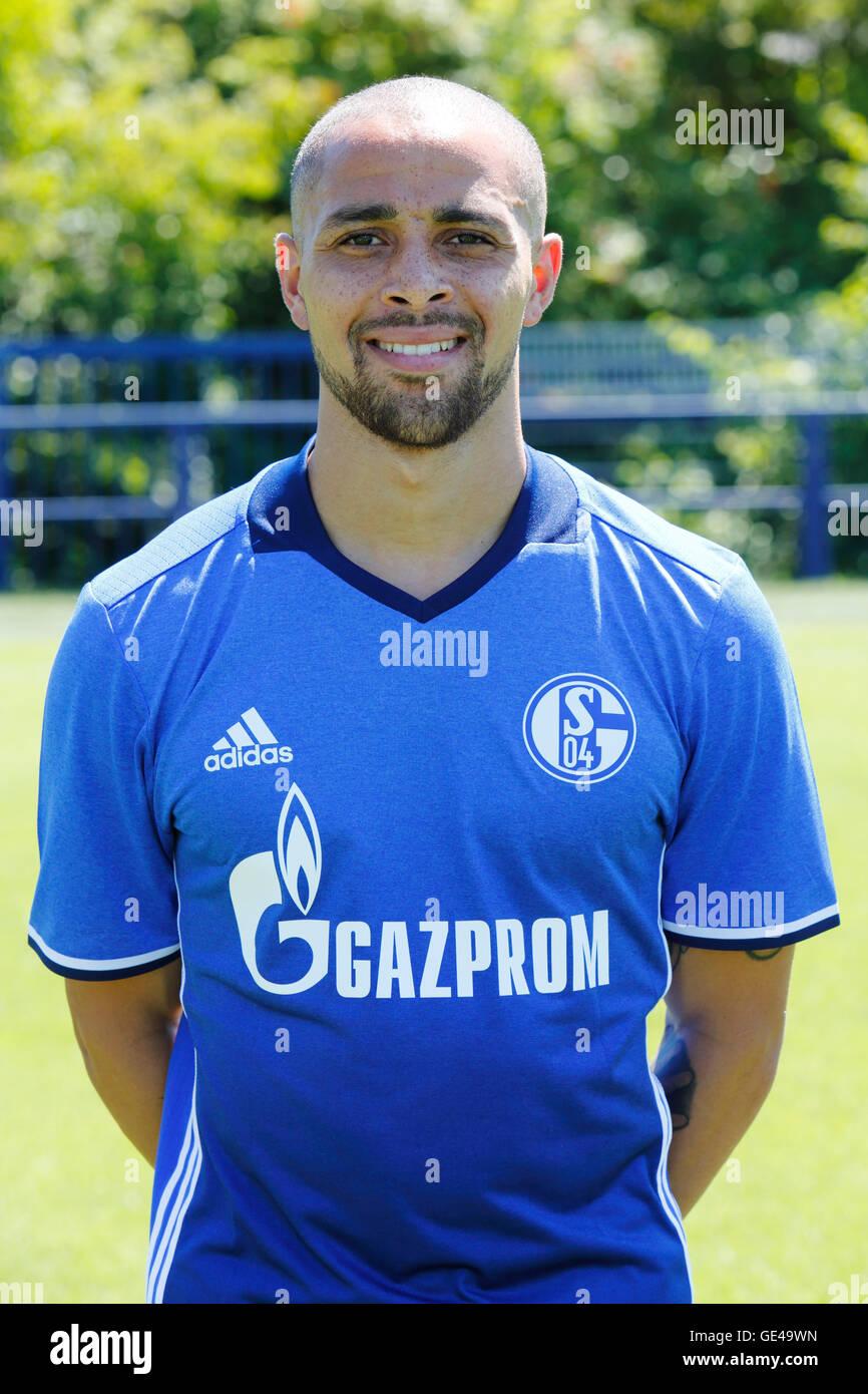 football, Bundesliga, 2016/2017, FC Schalke 04, team presentation for the game season, portrait Sidney Sam - Stock Image