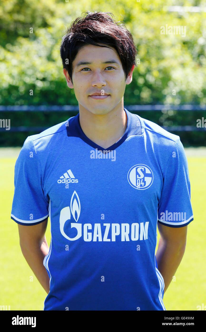 football, Bundesliga, 2016/2017, FC Schalke 04, team presentation for the game season, portrait Atsuto Uchida - Stock Image