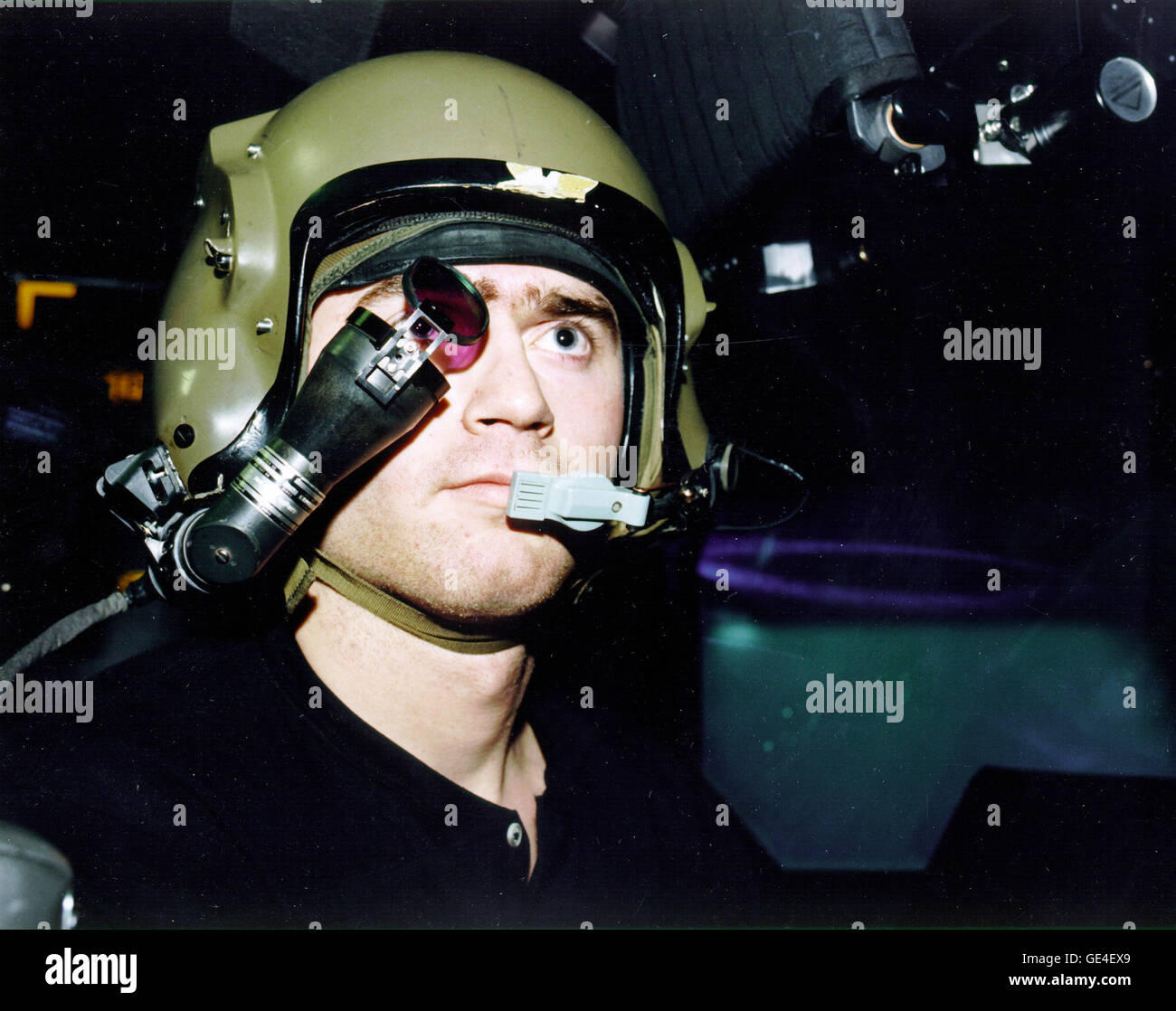 The AH-64 Apache helicopter simulator with Intergrated Helmet & Display Sighting System (IHADSS) at the - Stock Image