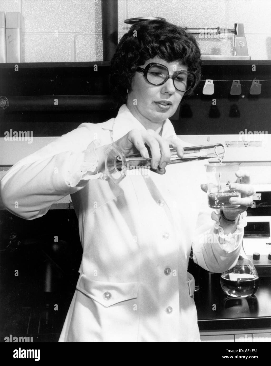 (1978) NASA hired Barbara S. Askins, a chemist at NASA's Marshall Space Flight Center, Huntsville, Alabama, - Stock Image