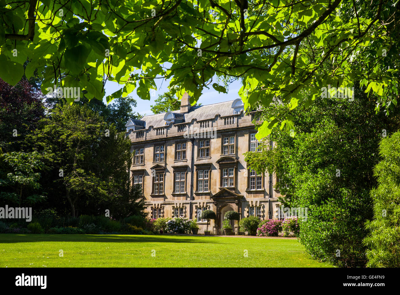 CAMBRIDGE, UK - JULY 18TH 2016: A beautiful view of one of the buildings of Christ's College from Fellows Garden - Stock Image