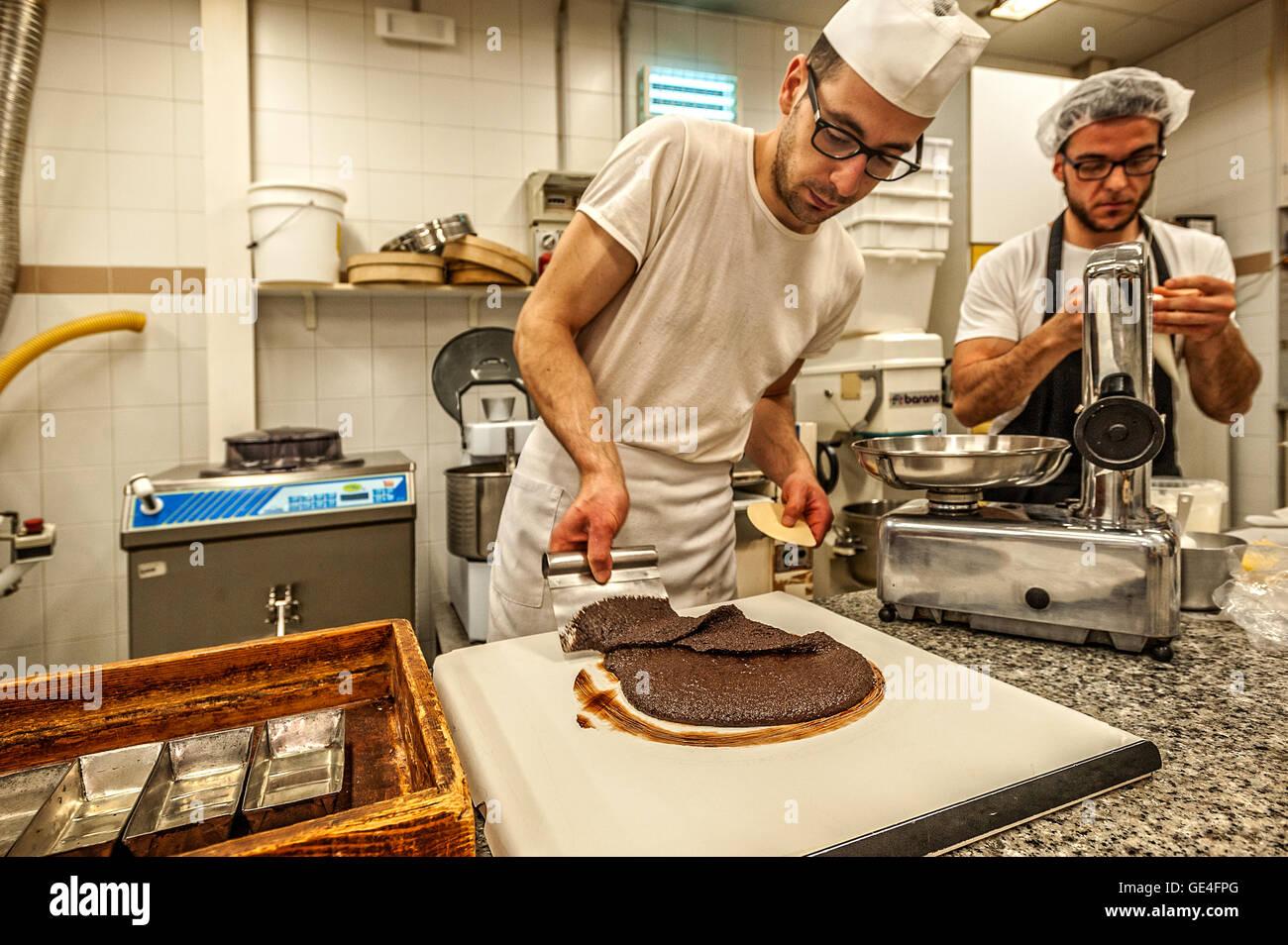 Italy Sicily Modica - Dolceria Bonajuto -   Tempering Chocolate Stock Photo