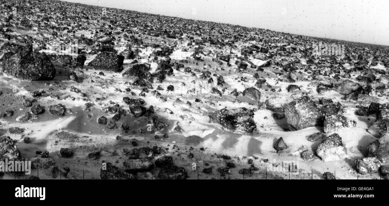 This high resolution photo of the surface of Mars was taken by Viking Lander 2 at its Utopia Planitia landing site - Stock Image