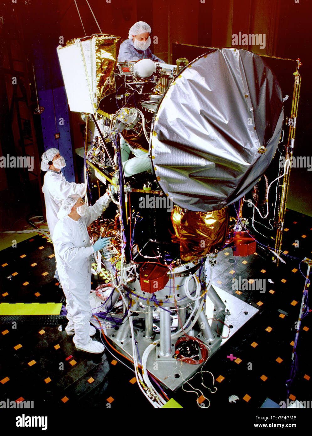(May 27, 1998) The Mars Surveyor '98 Climate Orbiter is shown here during acoustic tests that simulate launch - Stock Image