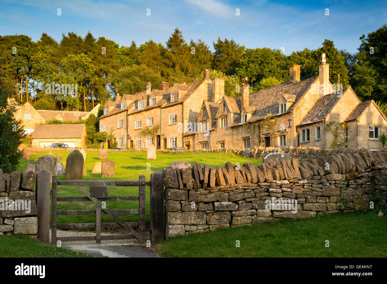 Setting sunlight on the town of Snowshill in the Cotswolds, Gloucestershire, England - Stock Image