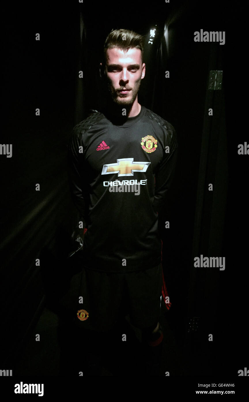 half off 8aabc 2503f Manchester United goalkeeper David De Gea during the kit ...